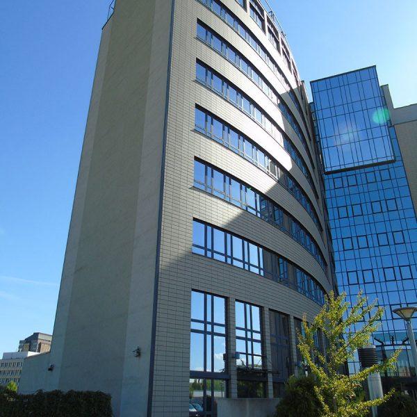 Arcadia Parc Fassadenansicht perspektivisch verzogen Blick auf Eingang