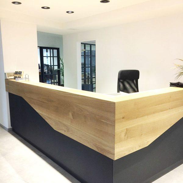 Schadowstraße 86-88 Innenansicht Empfang Büro mit Theke in Holz