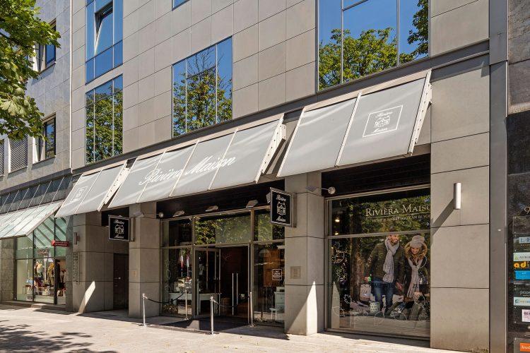 Königsallee 96 Ausschnitt Fassade mit Ladenlokal Rivièra Maison im Blick