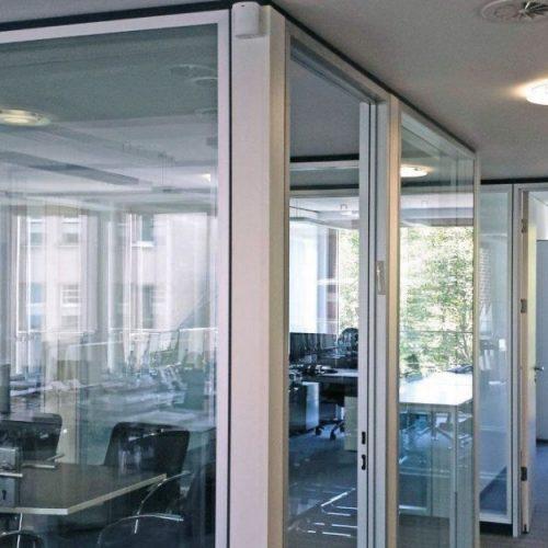 Königsallee 88 Innenansicht Blick durch Glastrennwände auf Büros