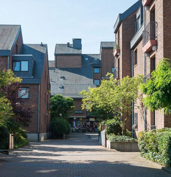 Klemensviertel Außenansicht Blick in Wohnstraße Backsteinfassaden
