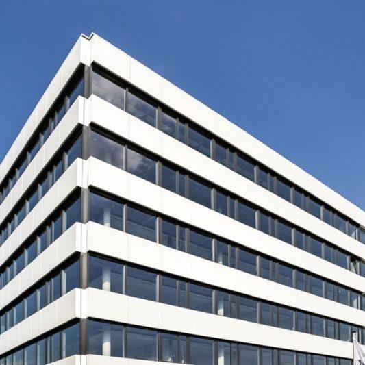 Take-Off Ausschnitt Fassade obere Etagen