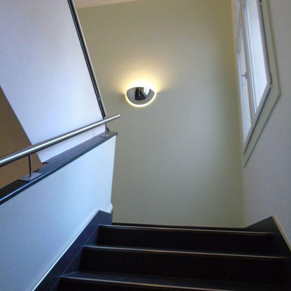 Königsallee 96 Innenansicht Blick nach oben im Treppenaufgang beleuchtet