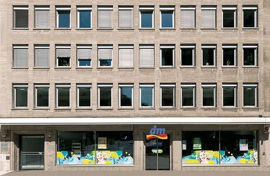 Am Wehrhahn facade with store 'dm' in basement