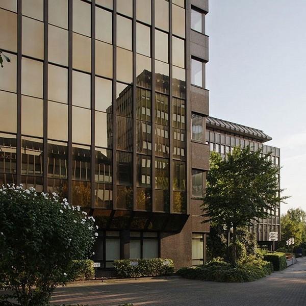 Bürocenter Nord Detail untere Geschosse Hauptgebäude Kanzlerstraße 4