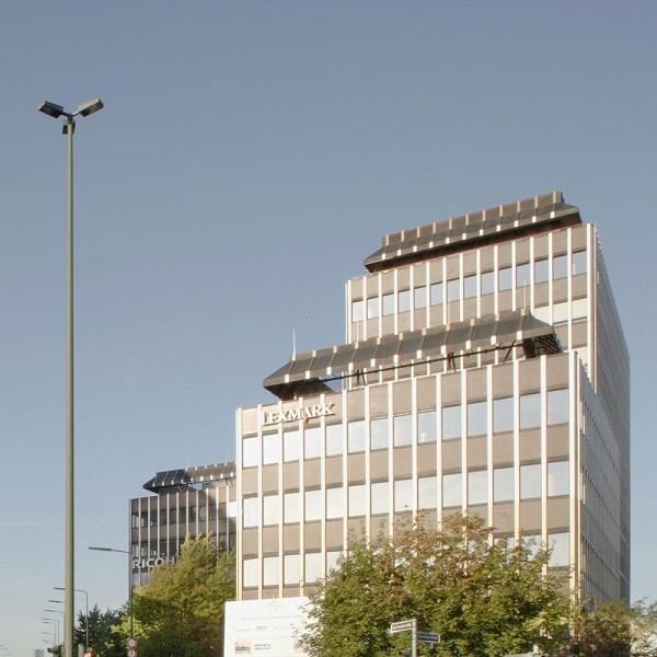 Bürocenter Nord obere Fassaden Gebäudekomplex Oberrather Straße