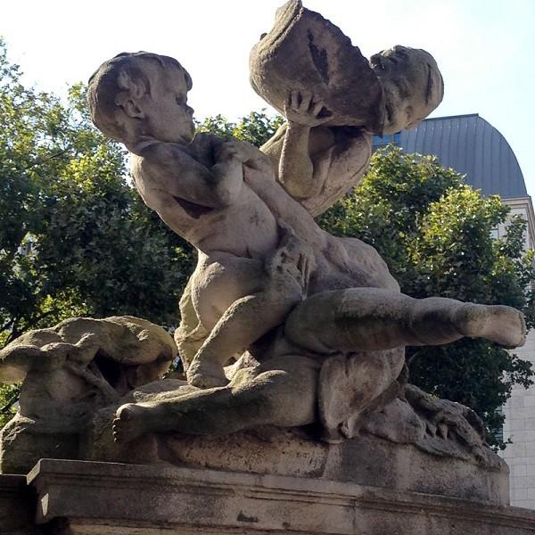 Königsallee Detail Skulptur Tritonenbrunnen