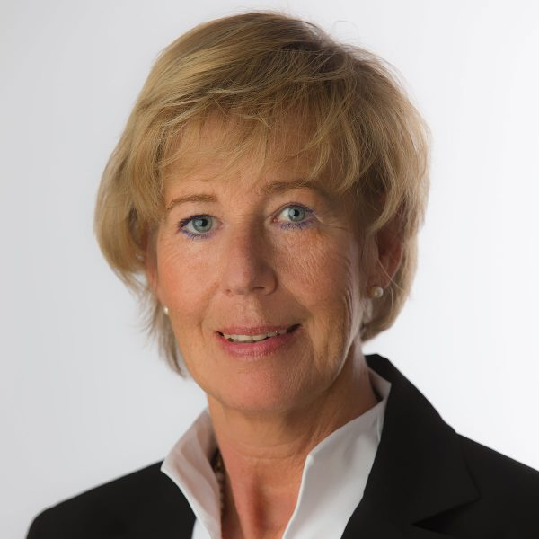 Portrait Gudrun Uflacker Assistenz Geschäftsleitung Brune Bau GmbH