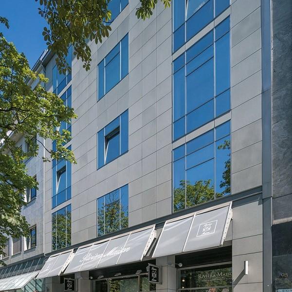 Königsallee 96 Fassade mit Blick auf Ladenlokal Rivièra Maison