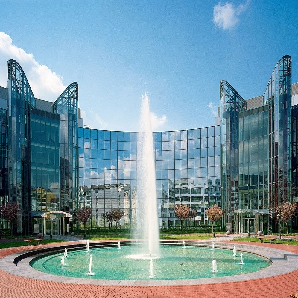 Prinzenpark glass facade round building with fountain in front