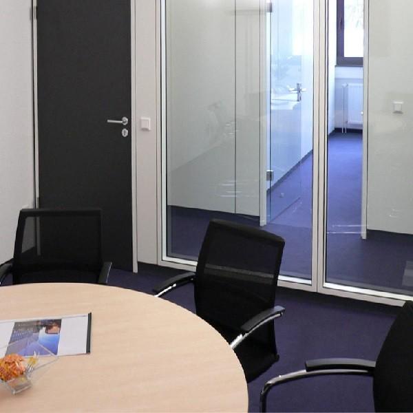Schadowstraße 84 Innenansicht Blick aus Konferenzraum heraus auf Glastrennwände