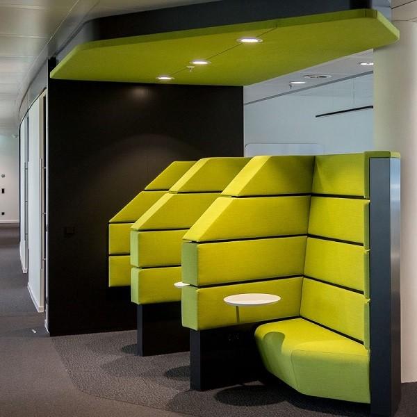 Triangulum Innenansicht Detail moderner Sitz- und Arbeitsbereich