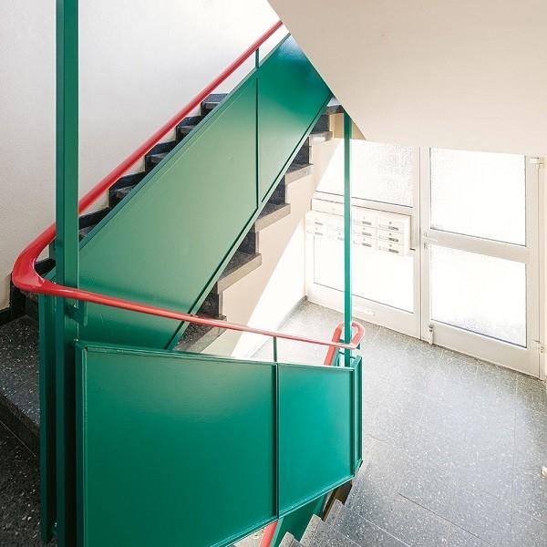 Zinkhüttenpark Innenansicht Treppenabgang mit Blick auf Haustüre